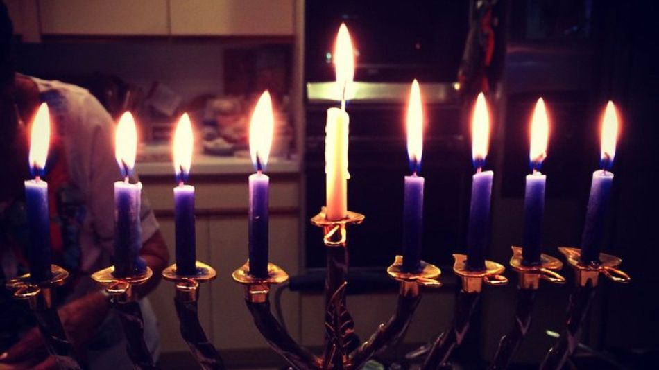 how many candles for hanukkah total